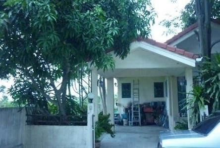 For Sale 3 Beds 一戸建て in Mueang Chachoengsao, Chachoengsao, Thailand
