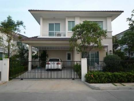 For Sale or Rent 3 Beds House in Bang Sao Thong, Samut Prakan, Thailand | Ref. TH-VRVJZGSO