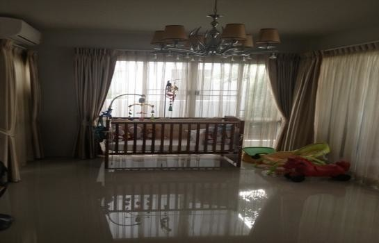 For Sale 3 Beds House in Phra Samut Chedi, Samut Prakan, Thailand | Ref. TH-VVCPXFOO