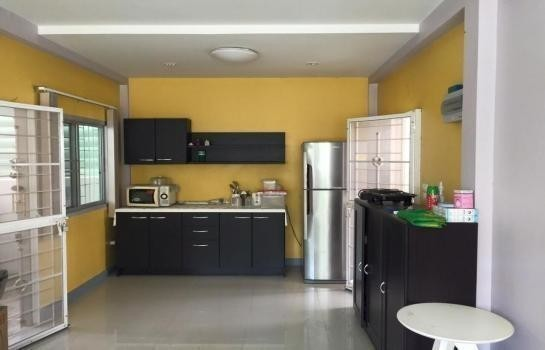 For Sale 3 Beds 一戸建て in Mueang Pathum Thani, Pathum Thani, Thailand | Ref. TH-QDATRAVQ