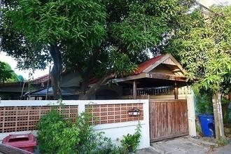 В том же районе - Bang Phli, Samut Prakan