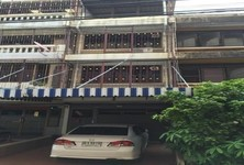 For Rent 3 Beds Townhouse in Bangkok Noi, Bangkok, Thailand