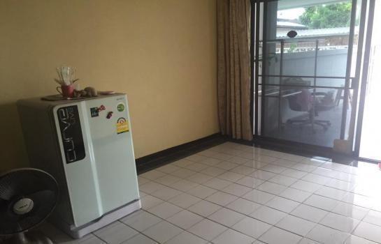 В аренду: Таунхаус с 2 спальнями в районе Sattahip, Chonburi, Таиланд | Ref. TH-YBNGBQMN