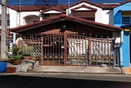 Продажа: Таунхаус с 2 спальнями в районе Sam Phran, Nakhon Pathom, Таиланд