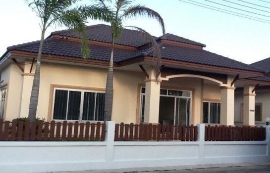 For Sale or Rent 3 Beds タウンハウス in Bang Lamung, Chonburi, Thailand | Ref. TH-SFICUTIV