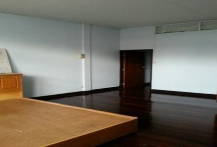 For Rent 2 Beds タウンハウス in Bang Sue, Bangkok, Thailand