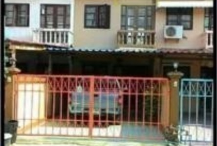 For Rent 2 Beds Townhouse in Mueang Lop Buri, Lopburi, Thailand