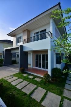For Sale 3 Beds 一戸建て in Mueang Nakhon Si Thammarat, Nakhon Si Thammarat, Thailand | Ref. TH-FSPQVDMB