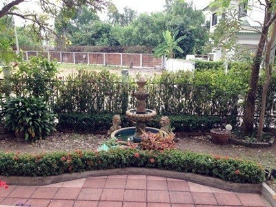 For Sale 4 Beds House in Phra Samut Chedi, Samut Prakan, Thailand | Ref. TH-EYLVBYSG