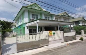 Located in the same area - Lam Luk Ka, Pathum Thani