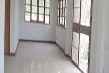 For Sale 3 Beds House in Chai Badan, Lopburi, Thailand