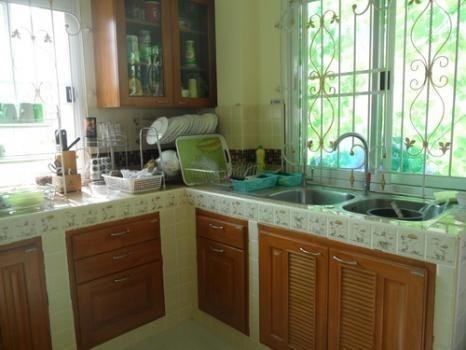 For Sale 4 Beds 一戸建て in Mueang Lop Buri, Lopburi, Thailand | Ref. TH-RRUNPPBZ