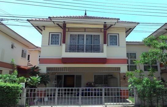 For Sale 3 Beds House in Bang Khae, Bangkok, Thailand | Ref. TH-YYUWJOJE