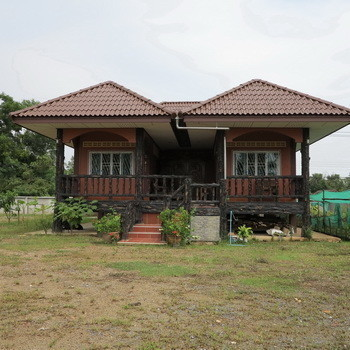 For Sale 3 Beds 一戸建て in Mueang Nakhon Si Thammarat, Nakhon Si Thammarat, Thailand | Ref. TH-CJQBYOZJ
