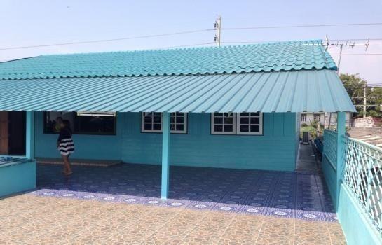 For Sale 6 Beds House in Phra Samut Chedi, Samut Prakan, Thailand | Ref. TH-QGIKJJXG