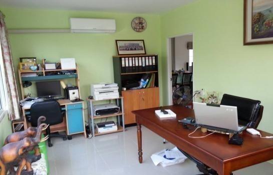 For Sale or Rent 3 Beds House in Mueang Samut Sakhon, Samut Sakhon, Thailand   Ref. TH-CPMQVLEU