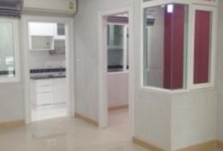 For Sale or Rent 4 Beds Townhouse in Saphan Sung, Bangkok, Thailand