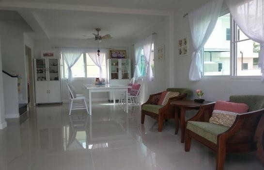 For Sale 3 Beds 一戸建て in Thalang, Phuket, Thailand | Ref. TH-CDSNRTOM