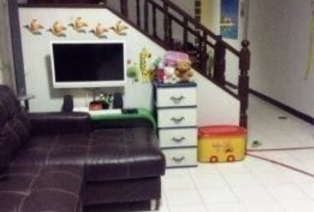 For Sale 3 Beds タウンハウス in Mueang Chiang Mai, Chiang Mai, Thailand