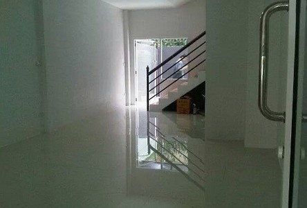 For Sale 3 Beds Townhouse in Phra Khanong, Bangkok, Thailand