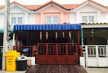For Sale 2 Beds タウンハウス in Phra Samut Chedi, Samut Prakan, Thailand
