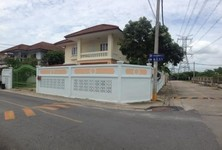 For Sale or Rent 3 Beds House in Thawi Watthana, Bangkok, Thailand