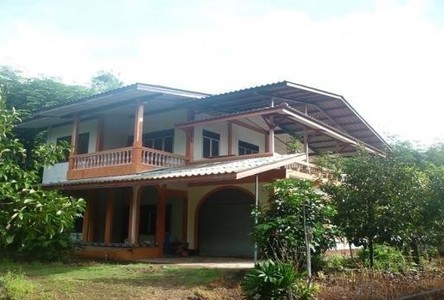 Продажа: Дом с 3 спальнями в районе Mueang Trat, Trat, Таиланд
