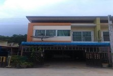 For Sale 3 Beds Townhouse in Khlong Hoi Khong, Songkhla, Thailand