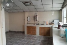 For Rent 4 Beds 一戸建て in Mueang Nonthaburi, Nonthaburi, Thailand