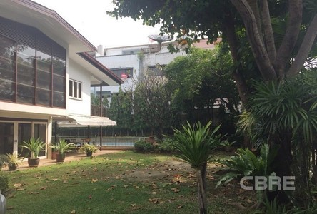 For Sale 3 Beds 一戸建て in Khlong Toei, Bangkok, Thailand