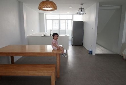 For Sale or Rent 3 Beds Townhouse in Bang Khun Thian, Bangkok, Thailand