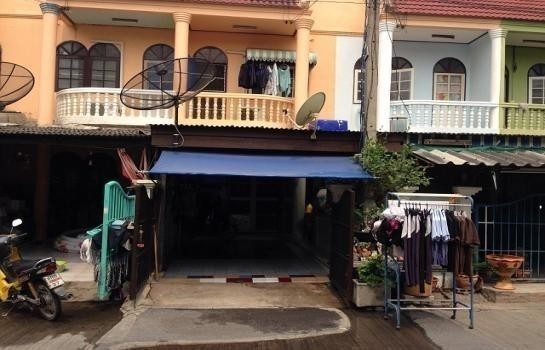 For Sale 2 Beds Townhouse in Bang Pa-in, Phra Nakhon Si Ayutthaya, Thailand | Ref. TH-QNOQCGCY