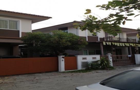 For Sale 3 Beds House in Bang Phli, Samut Prakan, Thailand | Ref. TH-WSAIGSIF