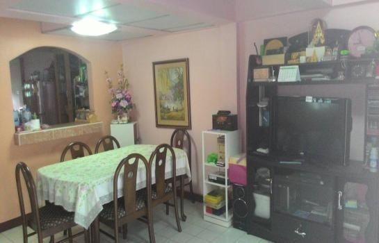 For Sale 3 Beds タウンハウス in Saraphi, Chiang Mai, Thailand | Ref. TH-BOMTDWGX
