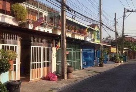 For Rent 2 Beds Townhouse in Bangkok Noi, Bangkok, Thailand