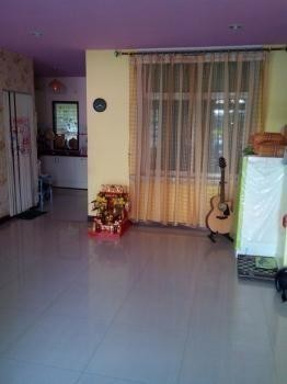 For Sale 3 Beds Townhouse in Mueang Samut Prakan, Samut Prakan, Thailand | Ref. TH-WDARONEO