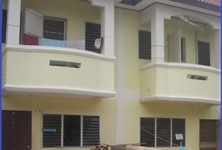 For Sale 5 Beds Townhouse in Mueang Samut Sakhon, Samut Sakhon, Thailand