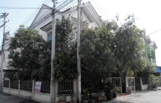 For Sale 3 Beds Townhouse in Wang Noi, Phra Nakhon Si Ayutthaya, Thailand | Ref. TH-VXCPGLAR