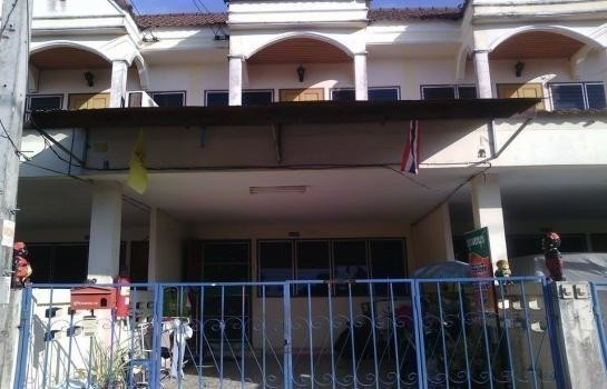 For Sale 2 Beds タウンハウス in Mueang Phitsanulok, Phitsanulok, Thailand | Ref. TH-TWBUMXWJ