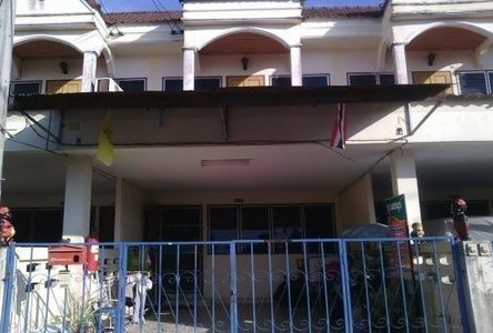For Sale 2 Beds Townhouse in Mueang Phitsanulok, Phitsanulok, Thailand