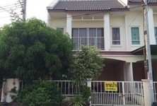 For Sale 3 Beds Townhouse in Krathum Baen, Samut Sakhon, Thailand