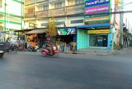 For Rent 2 Beds Townhouse in Mueang Surat Thani, Surat Thani, Thailand