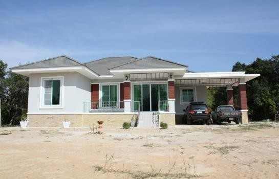 For Sale 3 Beds 一戸建て in Mueang Ubon Ratchathani, Ubon Ratchathani, Thailand | Ref. TH-KVEIQXJI