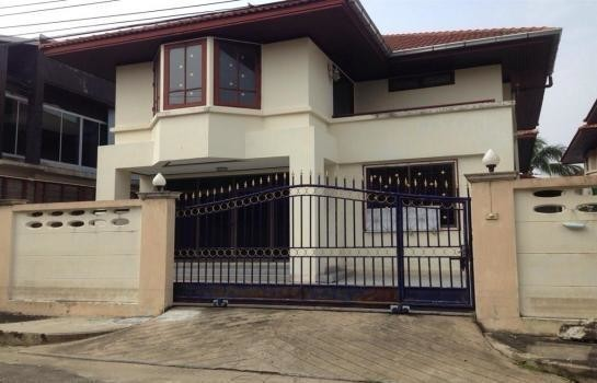 For Sale 3 Beds House in Thawi Watthana, Bangkok, Thailand | Ref. TH-HRVPBSLX