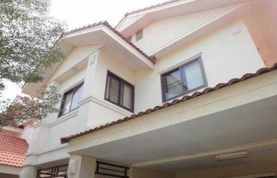 For Sale 4 Beds 一戸建て in Mueang Khon Kaen, Khon Kaen, Thailand   Ref. TH-JORVTCPJ