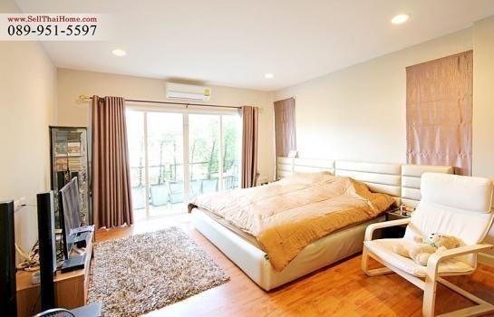 For Sale 3 Beds House in Mueang Samut Prakan, Samut Prakan, Thailand | Ref. TH-AKQKVZZN
