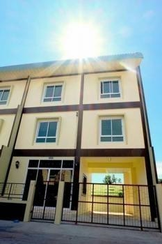 For Sale 4 Beds Townhouse in Don Mueang, Bangkok, Thailand | Ref. TH-SSXHGPWM
