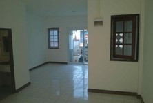 For Rent 2 Beds Townhouse in Nakhon Chai Si, Nakhon Pathom, Thailand