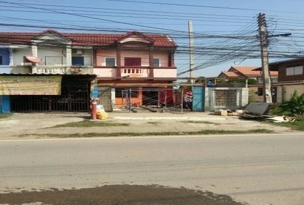 For Sale 2 Beds タウンハウス in Mueang Nakhon Sawan, Nakhon Sawan, Thailand