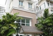 В аренду: Дом с 4 спальнями в районе Sathon, Bangkok, Таиланд